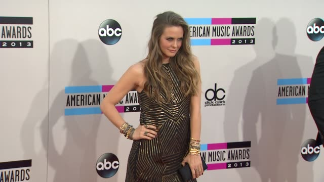 Alicia Silverstone at 2013 American Music Awards Arrivals in Los Angeles CA