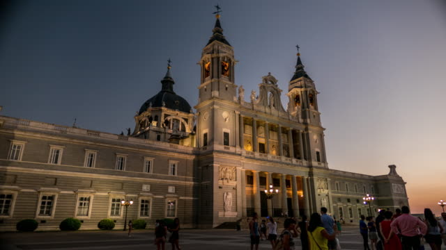 almudena cathedral royal palace in mdrid timelapse at night