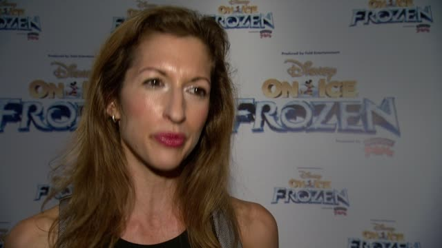 INTERVIEW Alysia Reiner on what brought her here this evening She sends a message to the troops on veterans day she discusses her thanksgiving plans...