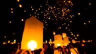 Incredibile Loi Kra Tong festival in Tailandia