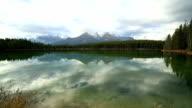Erstaunliche Berg lake Landschaft