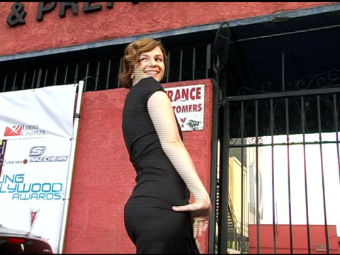 Amber Tamblyn at the Hollywood Life's Young Hollywood Awards and AfterParty Sponsored by Axe on May 1 2005