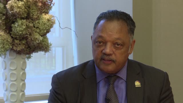 American civil rights leader Jesse Jackson has announced that he has the degenerative neurological disease Parkinson's