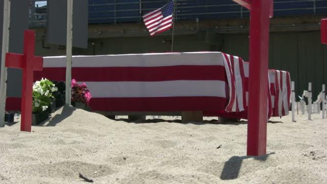 (HD1080) amerikanische Flagge/Militär Coffins, Zoom In