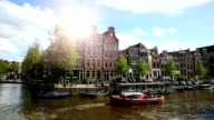 Amsterdam met Canal