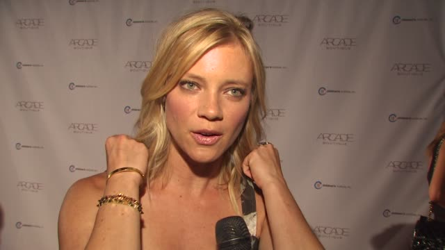 Amy Smart on Children's Institute loving Arcade her fall fashion musthaves at the ARCADE Boutique Hosts The Autumn Party Benefiting Children's...