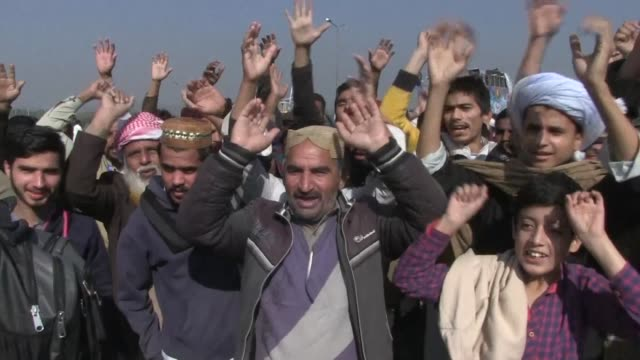 An Islamabad court warns authorities to obey its order to shut down a protest by a little known hardline religious group which has sparked widespread...