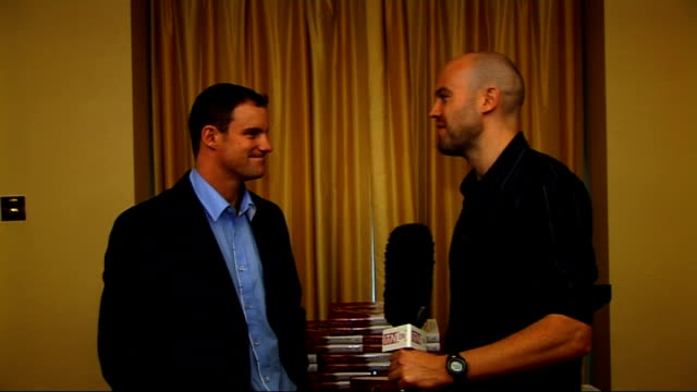 Andrew Strauss interview at book launch Andrew Strauss interview continues SOT On the challenge of playing South Africa / South African links in the...