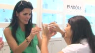Angie Harmon at the Angie Harmon Hosts PANDORA Mother's Day Event at Santa Monica CA