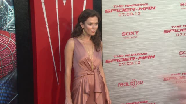 Anna Friel at 'The Amazing SpiderMan' Los Angeles Premiere Anna Friel at 'The Amazing SpiderMan' Los Angeles at Regency Village Theatre on June 28...