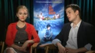 INTERVIEW AnnaSophia Robb and Liam James on how it was filming at a water park at 'The Way Way Back' Los Angeles Press Junket INTERVIEW AnnaSophia...