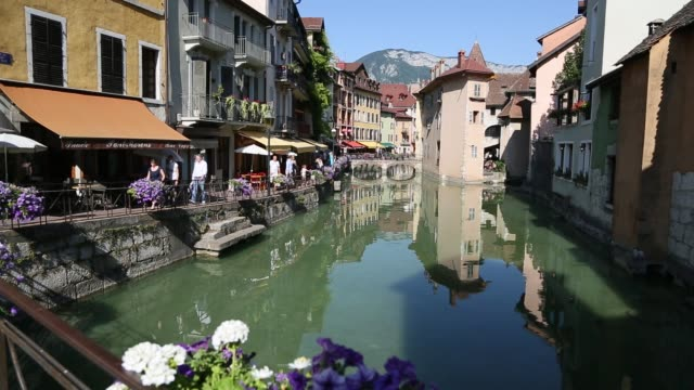 Annecy Old Town Pan