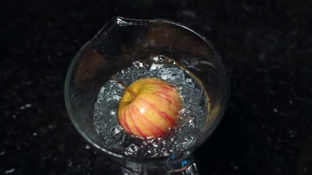 Apple cadere in acqua