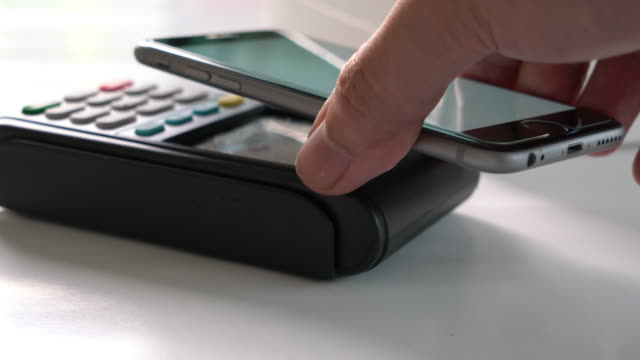 Apple Pay contactless payment 4K