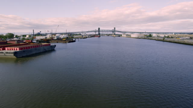 Approach over river to heliport