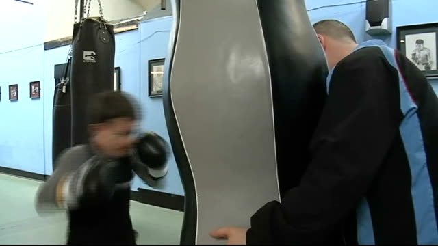 Liverpool INT Paul Lowe training in gym Lowe interview SOT Fibreweight would be his best division / If he puts weight on to get to first division as...