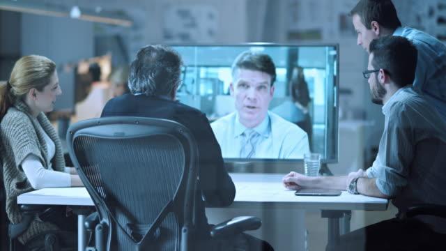 DS Architekten auf video an und Investoren