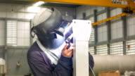 HD DOLLY : Argon Schweißen in Produktion