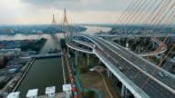 Luftbild Aufnahmen von der Brücke Verkehr Bhumibol