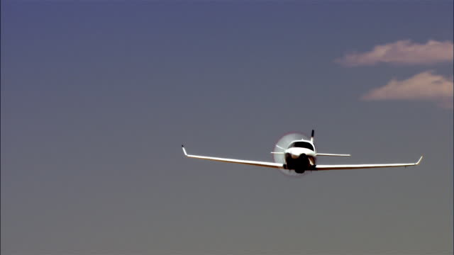 LA, MS, USA, Arizona, Grand Canyon, Lancair Legacy flying above desert