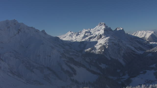 Arlberg - View of the mountain pass in Lech 19
