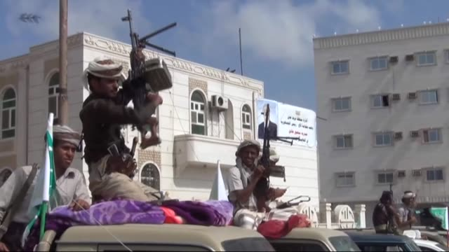 Armed members of Beni Hilal tribe gather to support Yemeni President Abd Rabbuh Mansur Hadi around Aden University on March 15 in Aden Yemen Abd...