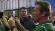Arnold Schwarzenegger recuerda sus tiempos de culturista asistiendo a una competicion en Rio de Janeiro que lleva su nombre