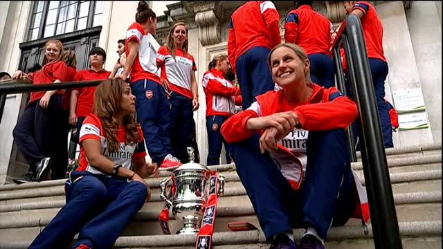 Arsenal Ladies given special reception at Islington Town Hall ENGLAND London Islington Town Hall EXT Kelly Smith and members of Arsenal Ladies...