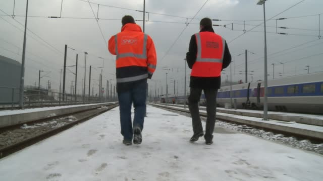 As Paris struggles with the effects of the heaviest snowfall for more than two decades commuters and travellers are being told to use public...