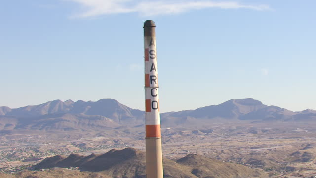 CU AERIAL TD Asarco tower and industrial buildings / El Paso, Texas, United States
