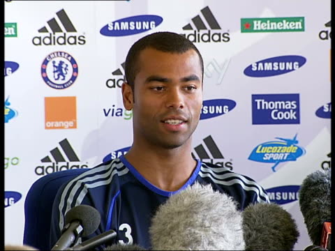 Press conference and photocall Ashley Cole press conference SOT fresh challenge for him after Arsenal discusses selection procedure from footballers...