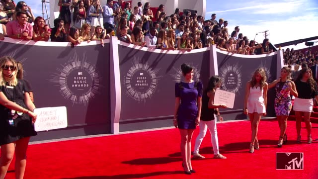 Ashley Rickards at 2014 MTV Video Music Awards at The Forum on August 24 2014 in Inglewood California