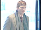Ashton Kutcher photocall interview / Promotional stunts in the River Thames ENGLAND London PHOTOGRAPHY *** Ashton Kutcher arriving and posing for...