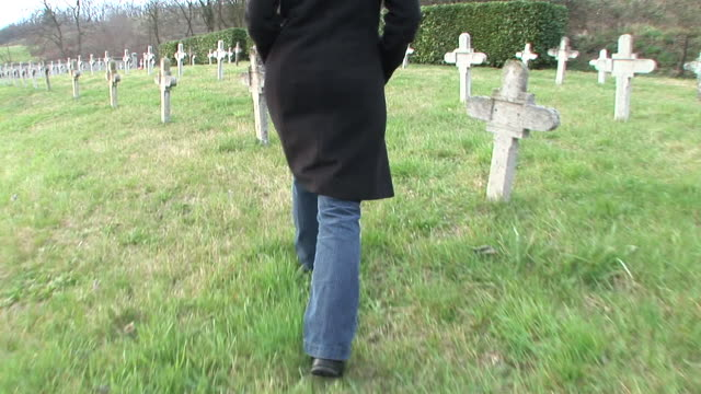HD STEADYCAM: At The Cemetery