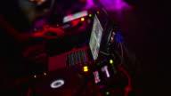 DJ al lavoro in Time-Lapse