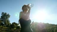 Sport Mädchen Trinkwasser