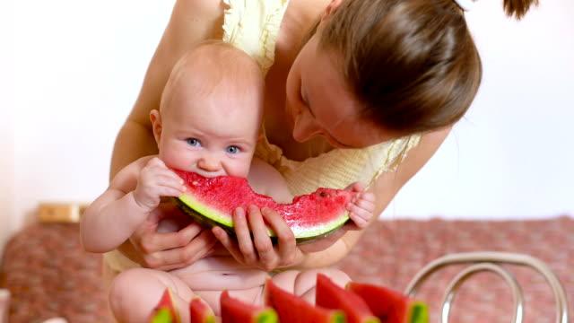 baby Essen Wassermelone