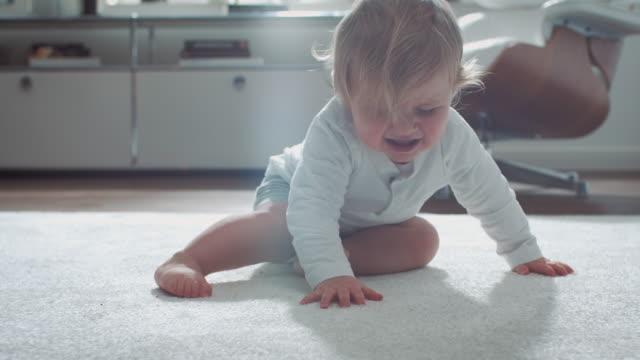 Baby Lernen zu Fuß