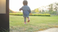 HD : Baby Lifestyle Outdoor