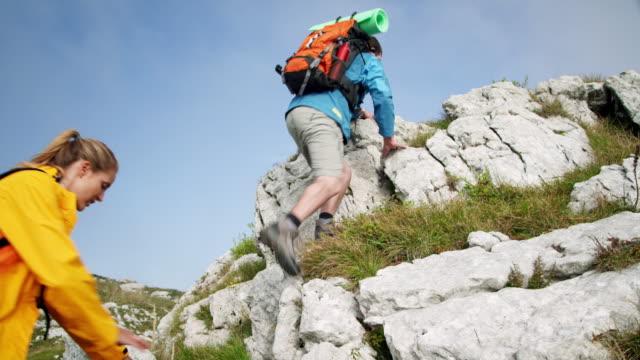 Rucksacktourist Bergsteigen