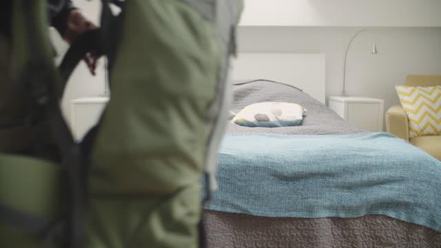 4 K : Wanderer Eingabe gemieteten Wohnung.