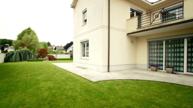 HD: Backyard Of A Luxury House