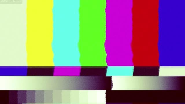 Dåliga TV-signal på TV-skärmen.
