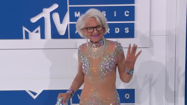 baddie-winkle-at-2016-mtv-video-music-awards-arrivals-at-madison-on-video-id598029382