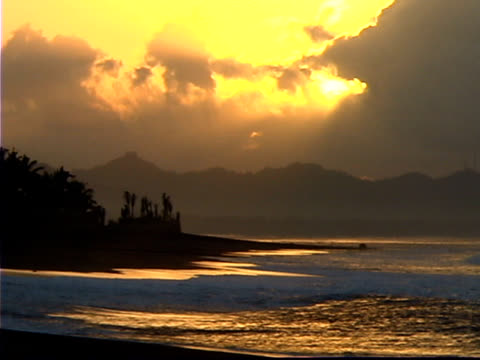 Alba sulla spiaggia, Bali