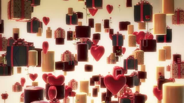 Palloncini cuore, candele, fiori e frutta.