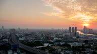 Bangkok bei Sonnenuntergang: Tag bis Sonnenuntergang Zeitraffer