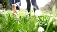HD STEADY: Barefoot Walk Through The Grass