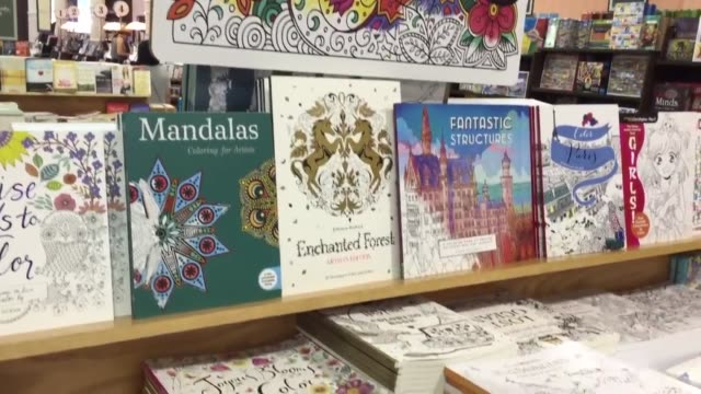 Barnes And Noble Adult Coloring Books In NYC Union Square Bring Store Earnings