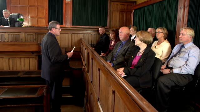 """Das Restaurant """"Barrister Adressen der Jury vor Gericht-zwei Aufnahmen"""